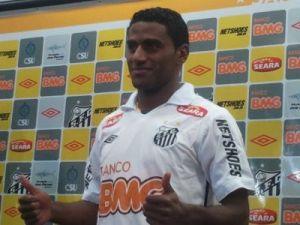 """Rychely, que recebeu apelido de """"Kléber Pereira"""" por parecer com ex-jogador do Peixe"""