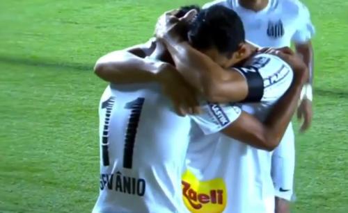 Geuvânio celebra o terceiro gol alvinegro contra o Sport (Reprodução)