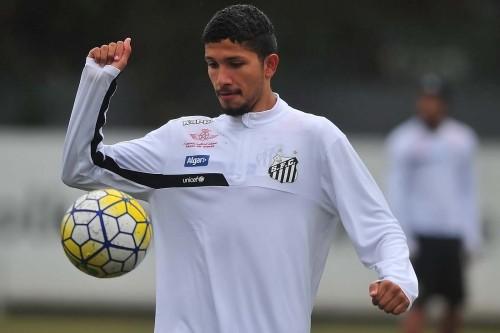 Volante Yuri vai atuar pela segunda vez como zagueiro (Foto: Ivan Storti/Santos FC)