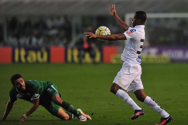 ex-jogadores do Santos  cc844084e3561