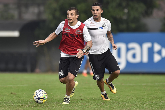 O meia argentino Veccio pode ser o substituto de Lucas Lima no jogo contra  o Gama ca97a4dab9526