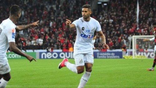 Kayke faz dois gols pelo Santos