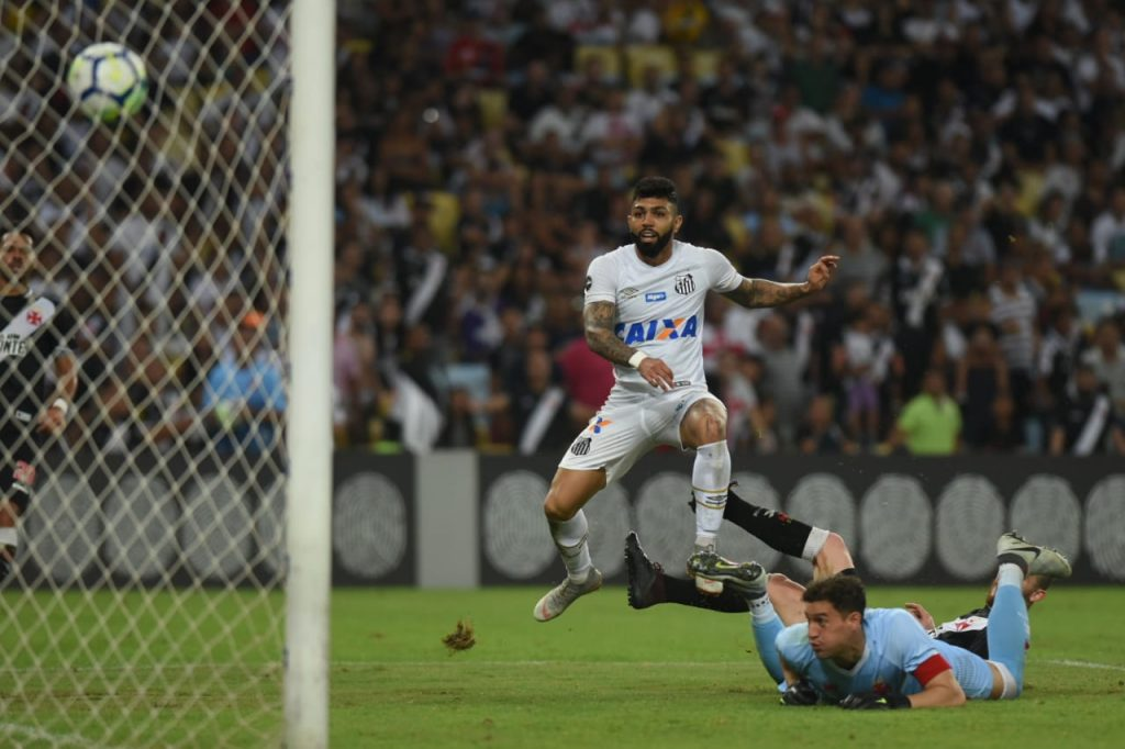 terceiro gol de Gabigol contra o Vasco